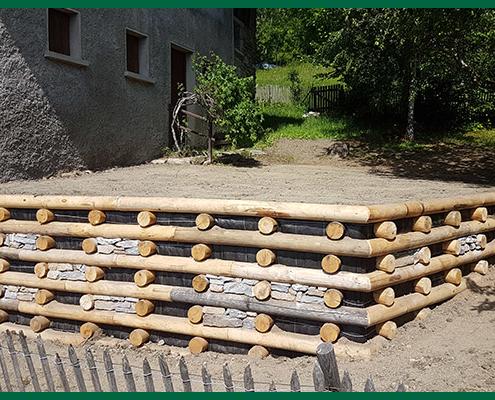 Mur bois par Destaing Paysagiste à Aime